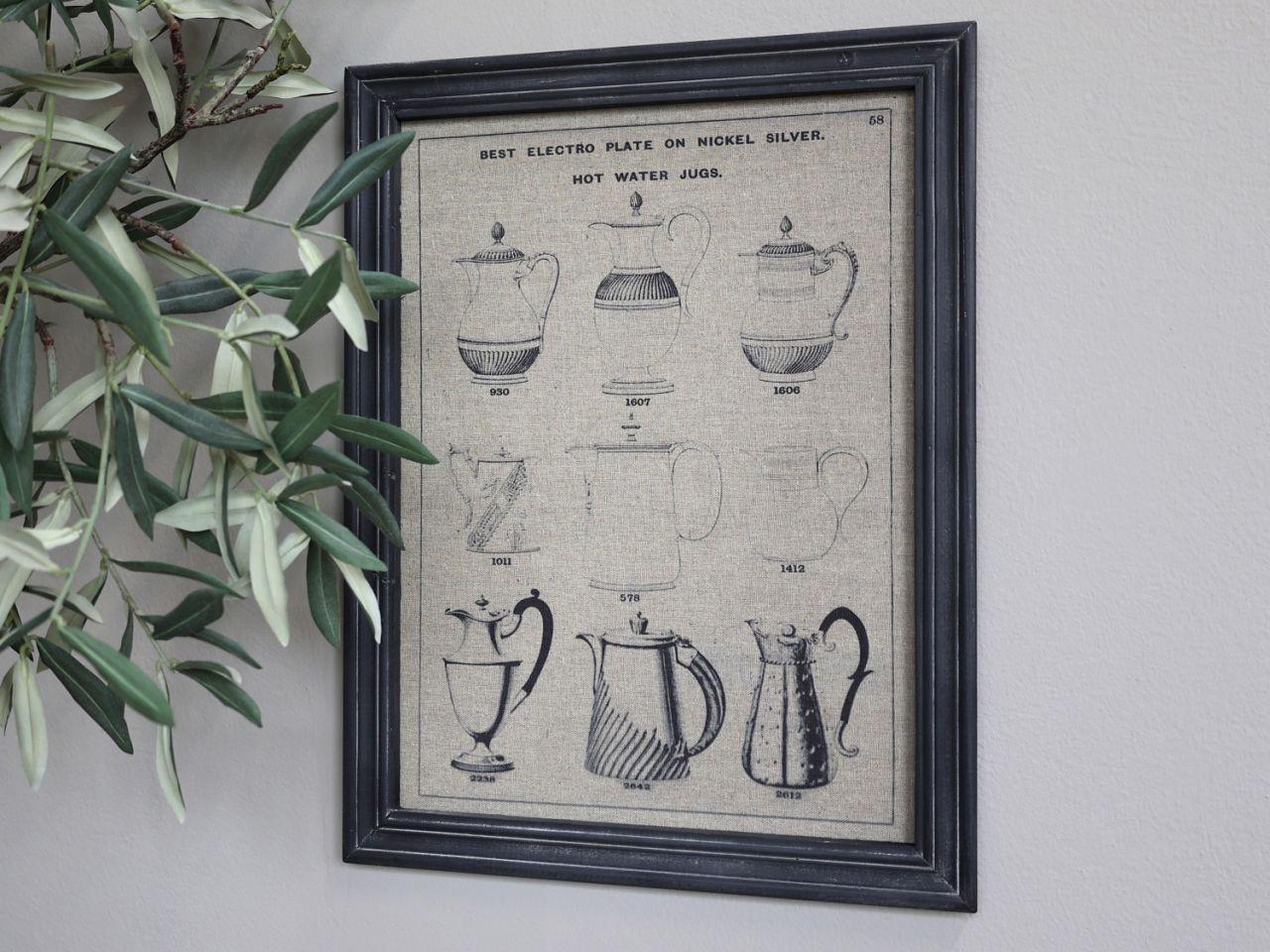 -Bild mit Kannen in schwarzem Rahmen von Chic Antique-