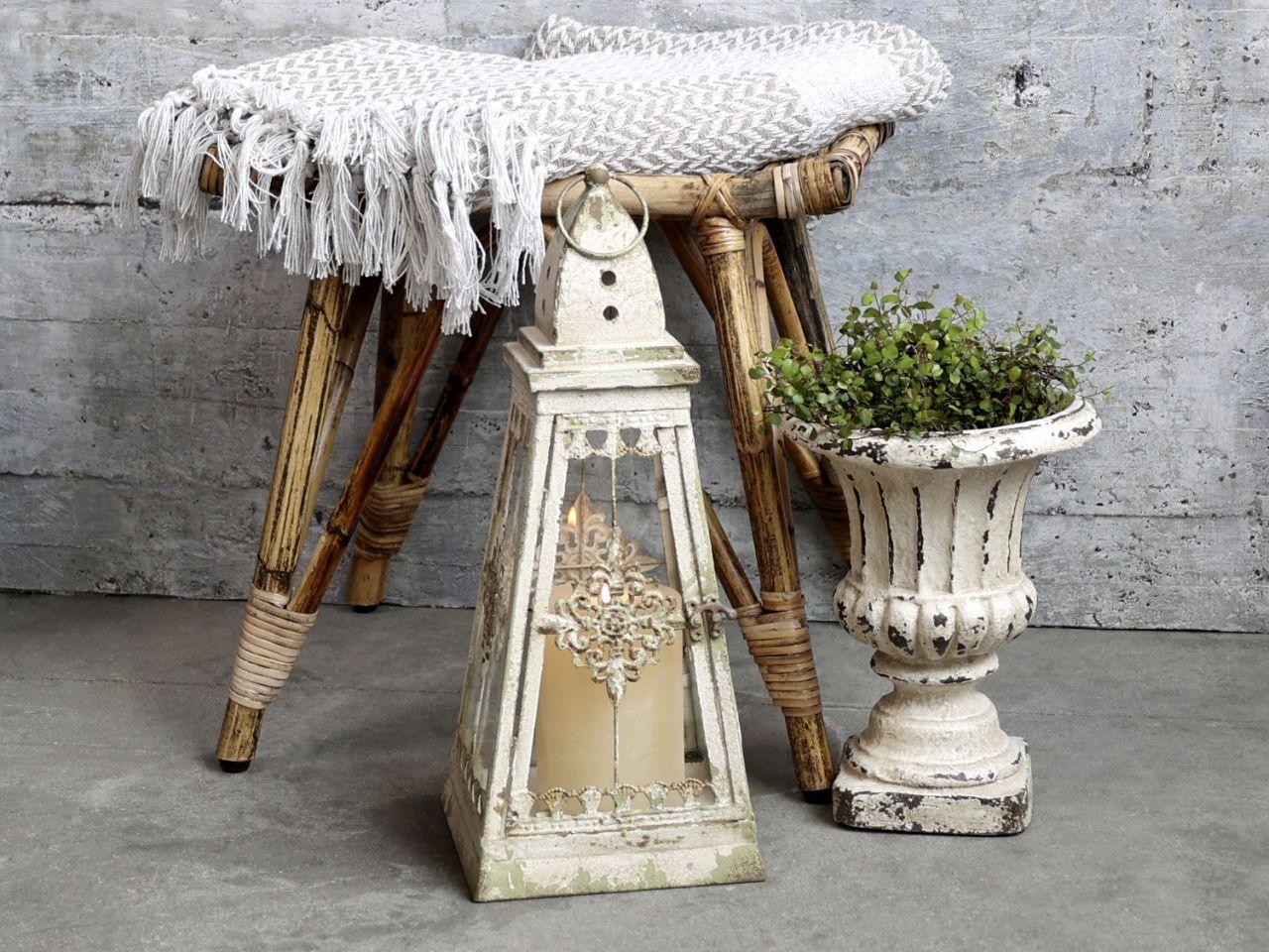-Laterne mit Dekor von Chic Antique-