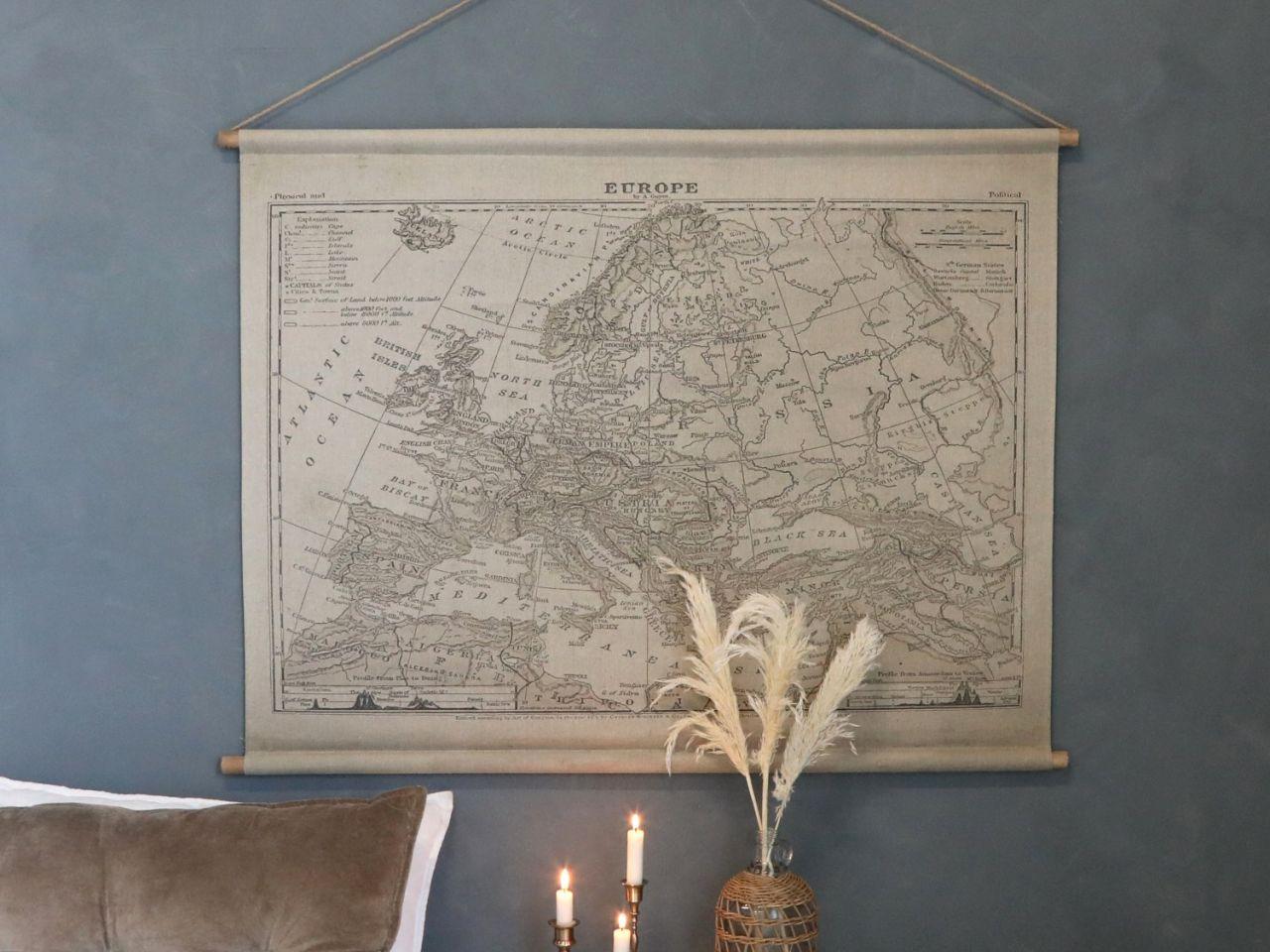 -Leinwandbild zum Aufhängen mit Europakarte von Chic Antique-