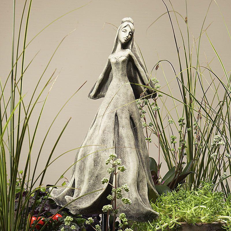Blütentänzerin Magnolie- Betonguss- für Metallstäbvon Zauberblume