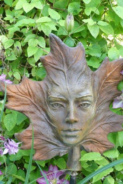 Gartenfigur Blatt AHORN- Steinguss- Rosteffekt