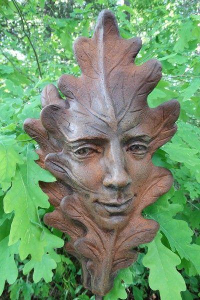 Gartenfigur Blatt EICHE- Steinguss- Rosteffekt