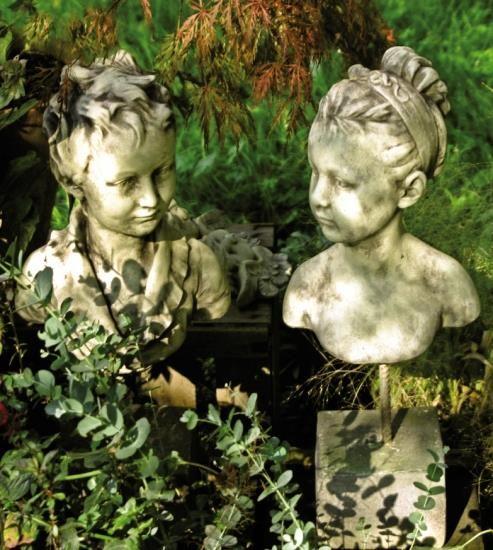 Gartenfigur Büste Mädchen- TINA- Steinguss