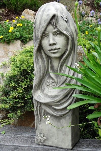 Gartenfigur Büste Moderne Romantik WINTER- Steinguss