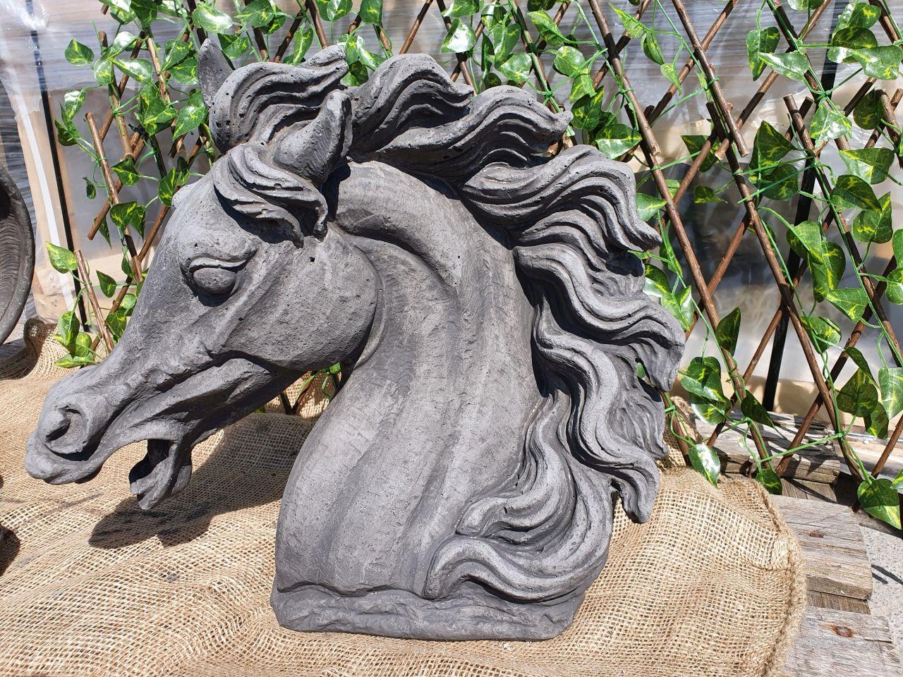 Gartenfigur Büste Pferdekopf
