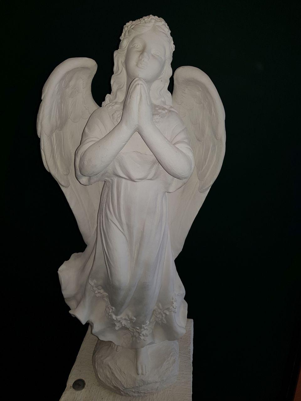 Gartenfigur Engel betend gross