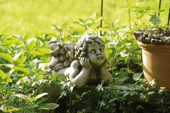 Gartenfigur Engel liegend 1 Fuss oben- CAMBIEL- Steinguss