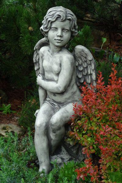 Gartenfigur Engel SAVA- sitzend- Steinguss