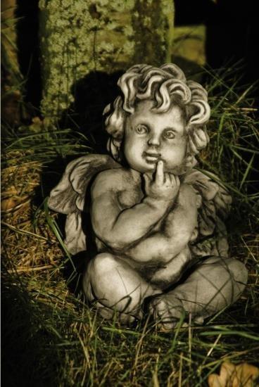 Gartenfigur Engel sitzend- IONEL Steinguss