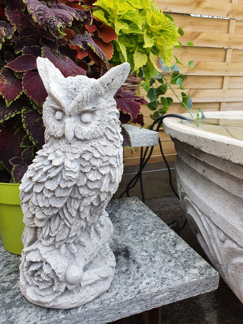 Gartenfigur Eule- klein- antik grau