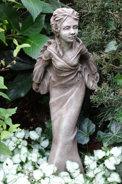 Gartenfigur Fee VIOLET- Steinguss (c) by Fiona Scott