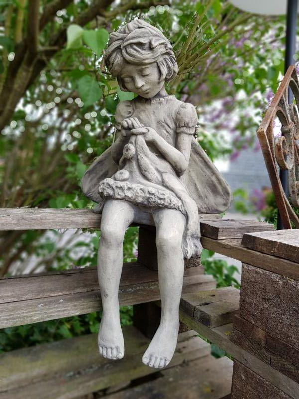 Gartenfigur FLOWER FAIRY Rainfarn- Steinguss