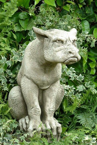 Gartenfigur Gargoyle ERNIE- Steinguss- (c) by Fiona Scott