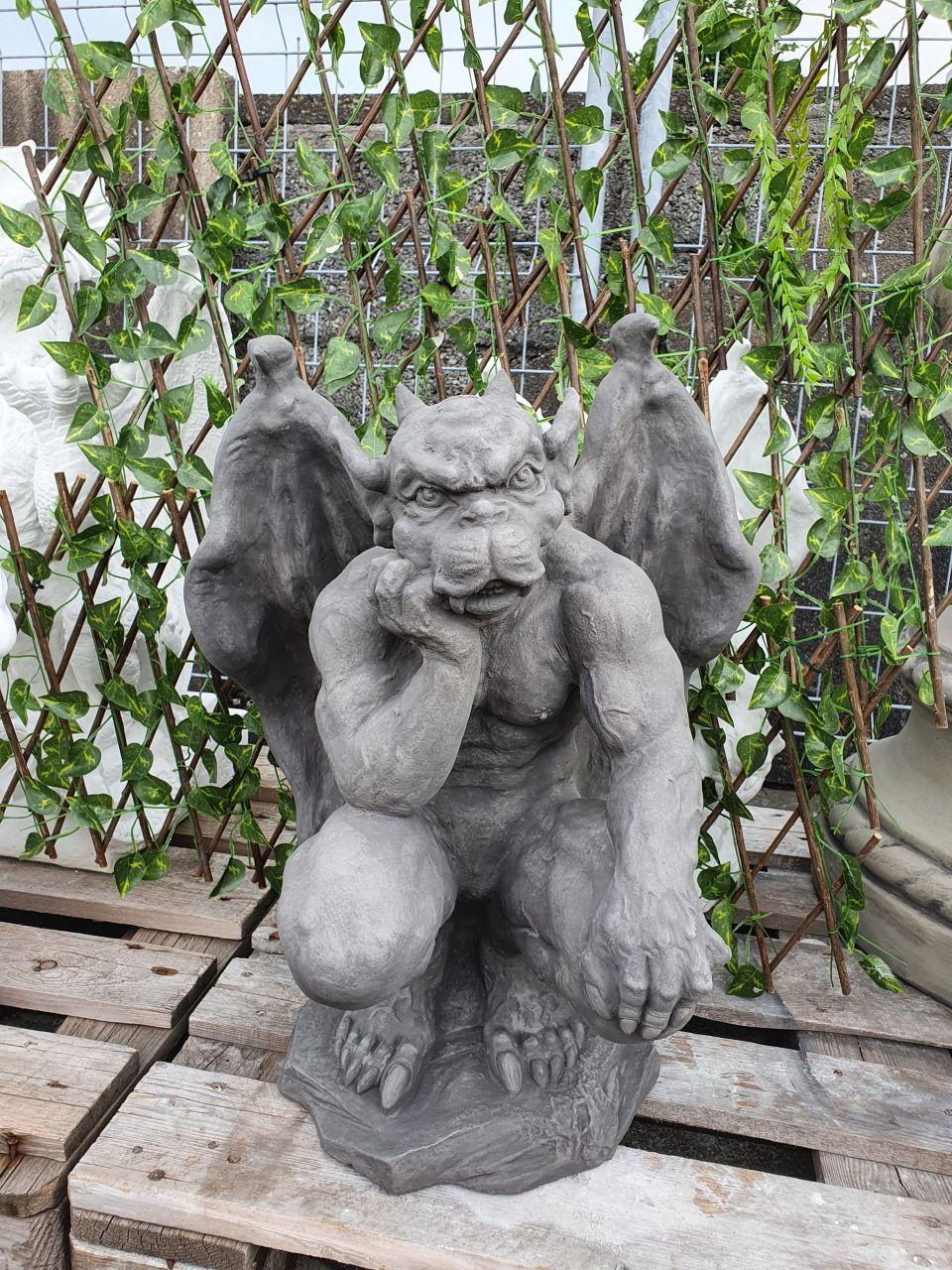 Gartenfigur Gargoyle Torwächter- grau