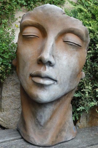 Gartenfigur Gesicht FRAU- Steinguss- Rosteffekt- klein