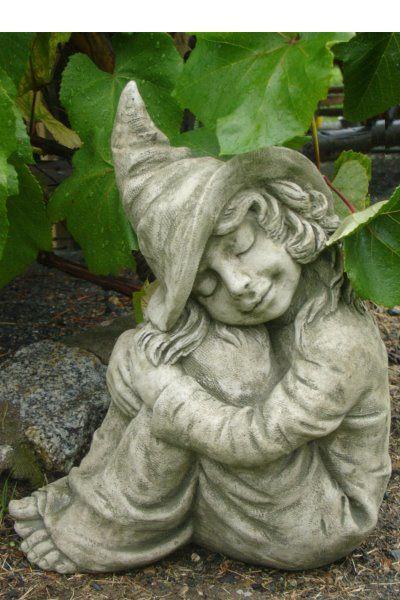Gartenfigur HAZEL- kleine Hexe- (c) by Fiona Scott