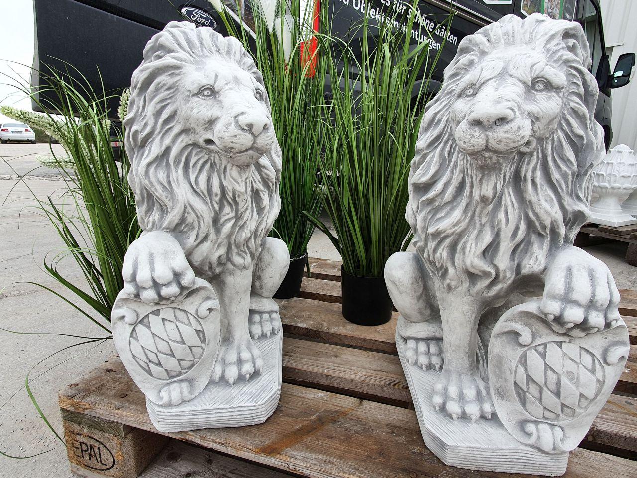 Gartenfigur Löwen mit Wappen 2er Set- antik-grau