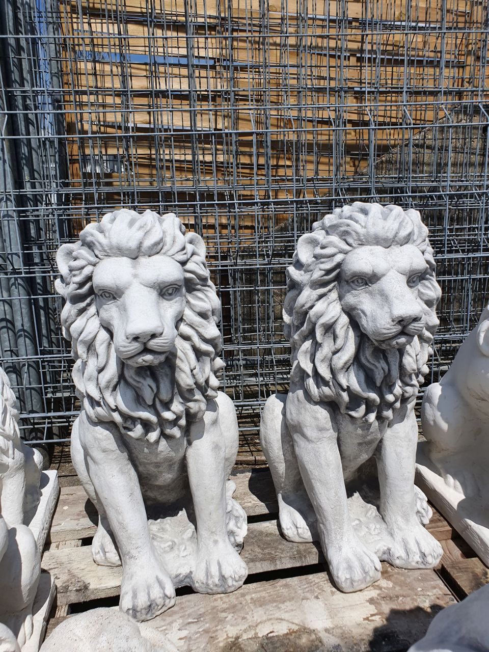 Gartenfigur Löwen Set- gerade- antik grau
