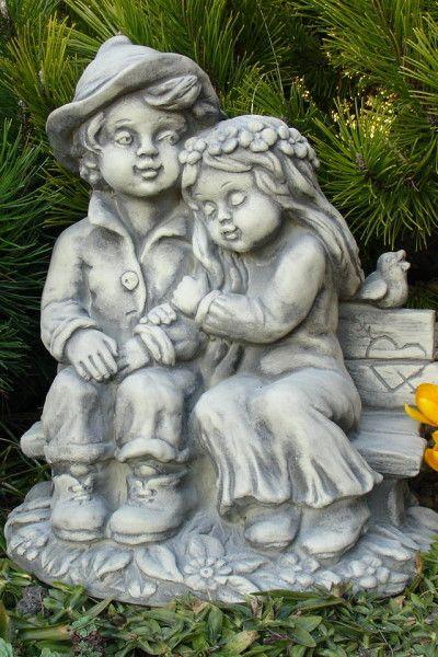 Gartenfigur Pärchen CARLA und FERDINAND- Steinguss
