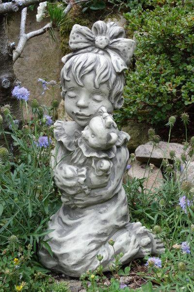 Gartenfigur Sarah Kay LEONIE- Steinguss