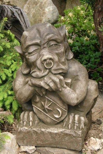 Gartenfigur SHIELD GARGOYLE klein (c)by Fiona Scott- Steinguss