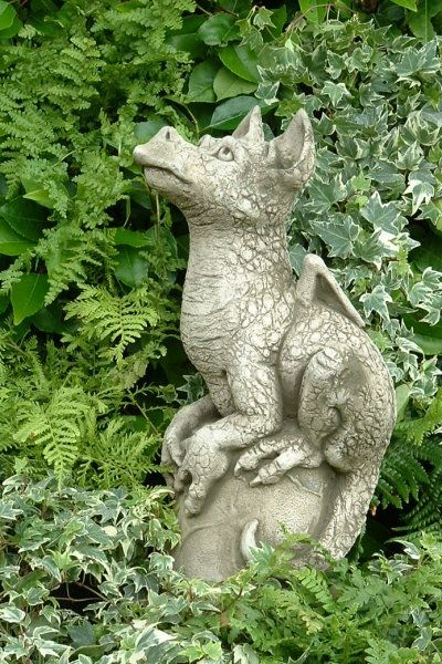 Gartenfigur SNAP- Drache- (c) by Fiona Scott- Steinguss