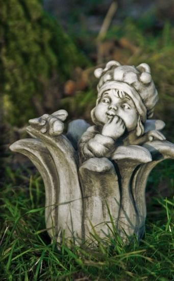 Gartenfigur Sprössling BIENE- Steinguss