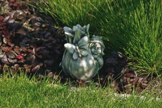 Gartenfigur Sprössling TULPE- Steinguss