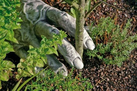 Gartenfigur TROLLHAND zu Troll Carlos- Steinguss