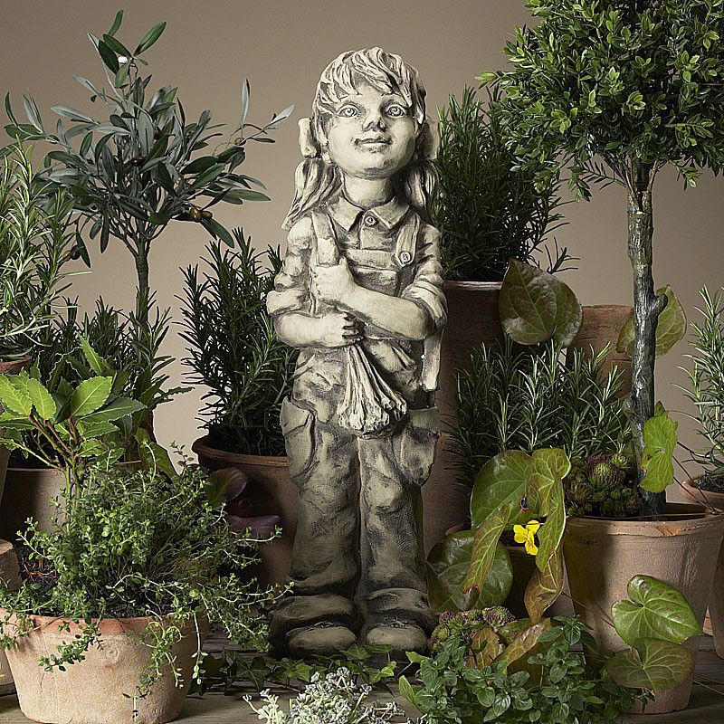 Gartenkind Lotta- Betonguss-von Zauberblume