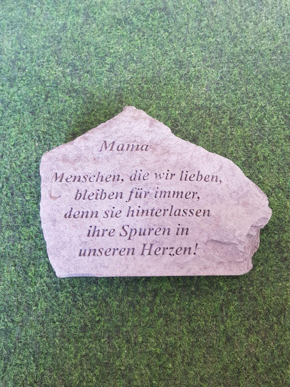 Gedenkstein Mama- die Menschen die-