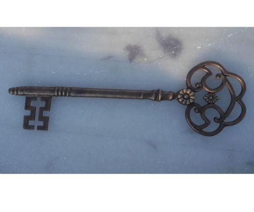 Wanddeko Schlüssel aus Bronze